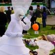 Белый мим на фестивале