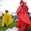 Красный мим на фестивале